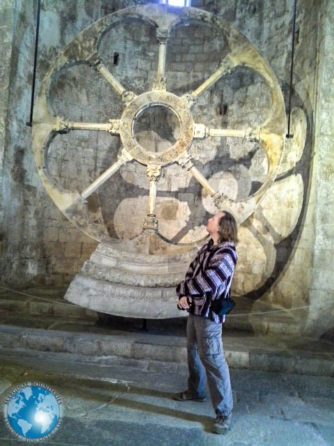 Tim in front of the replica of the facade of the Monastery of Sant Pere de Galligants