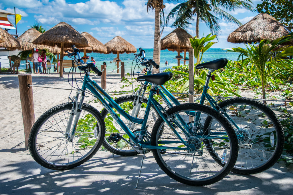 bikes at playa las perlas, cancun