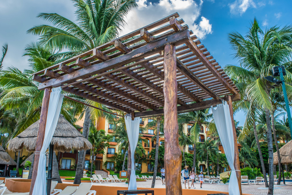 Interior grounds of Fiesta Americana, Cancun
