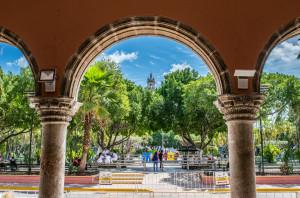 Plaza Grande and cathedral in Mérida, Yucatán