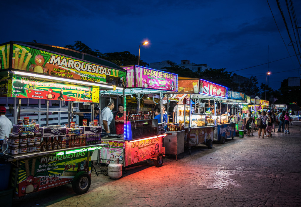 food stands at parque las palapas in Cancun