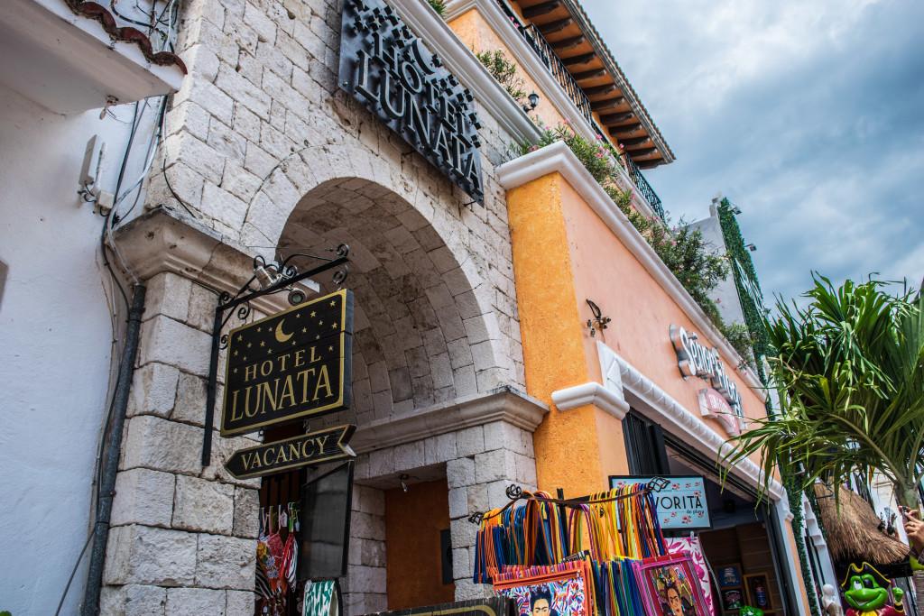Hotel Lunata entrance