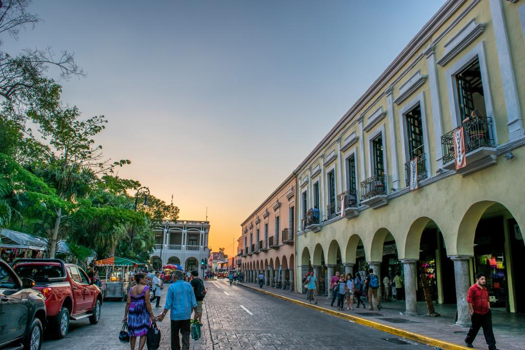 sunset, plaza grande, Mérida, Yucatán