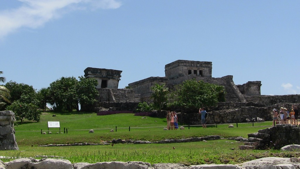 another view of the castillo