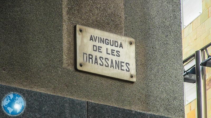 Avenida Drassanes in Barcelona