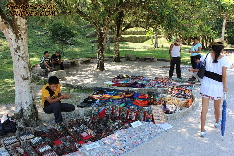 Maya souvenir vendors