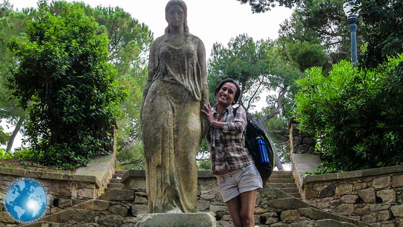 Cris with a sculpture