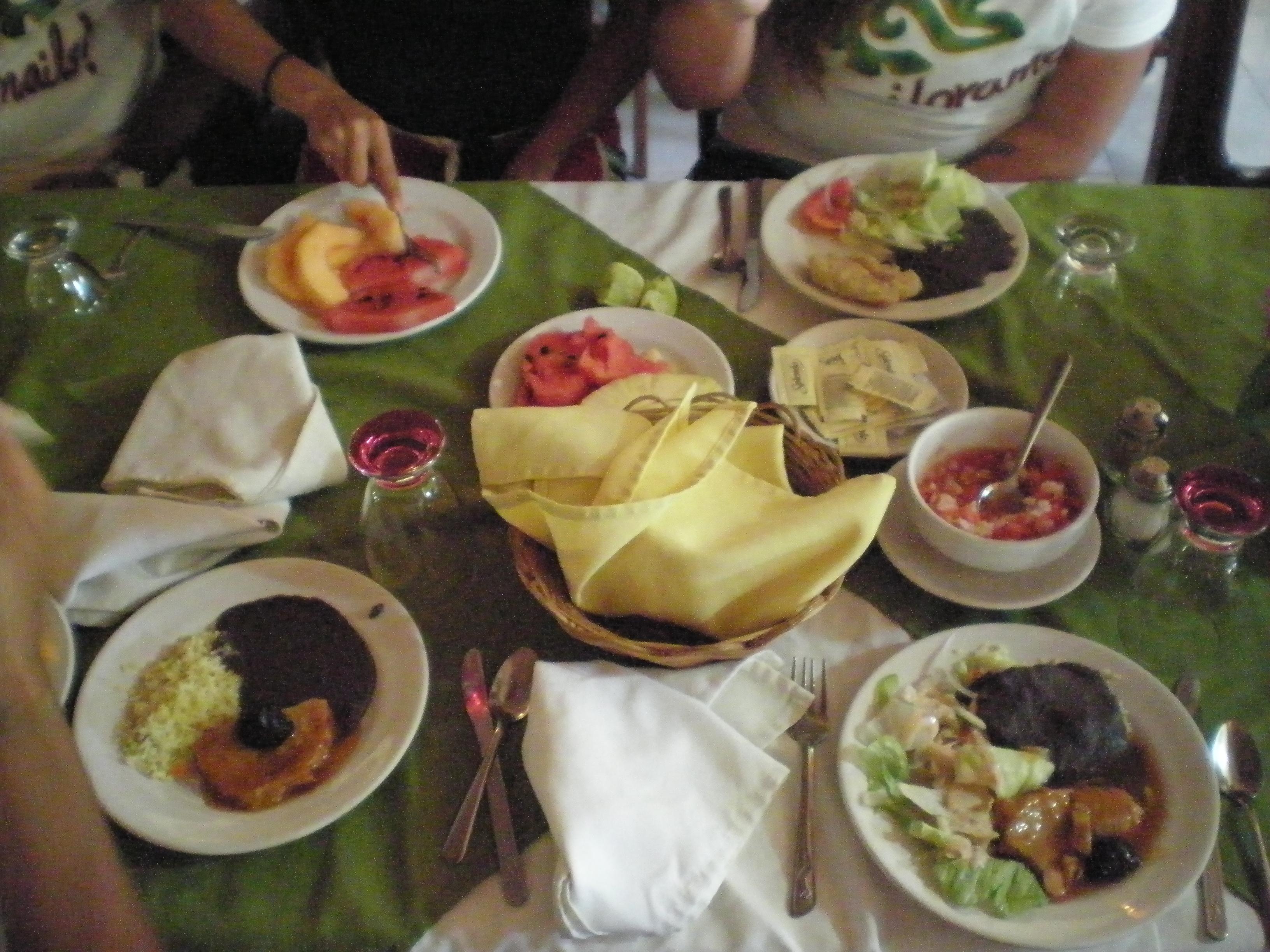 Ik Kil Cenote Buffet
