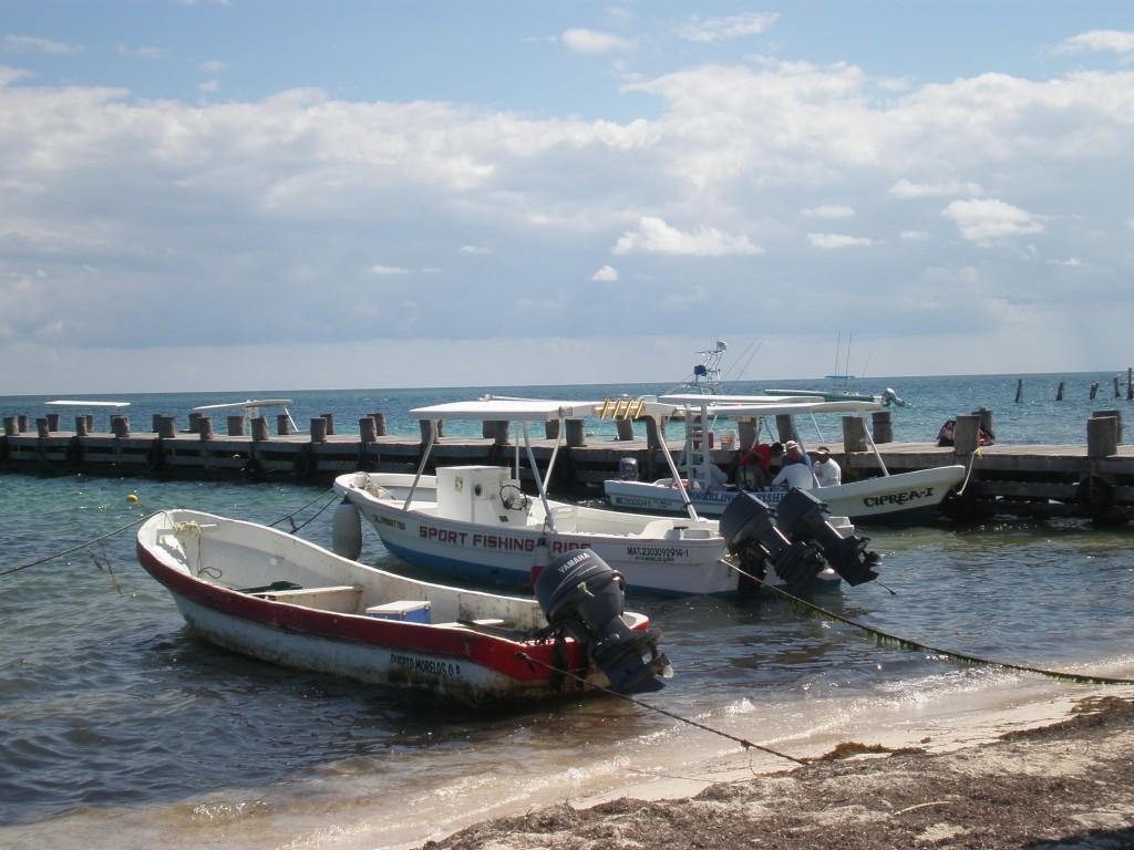 Beaches in cancun puerto morelos marginal boundaries for Puerto morelos fishing