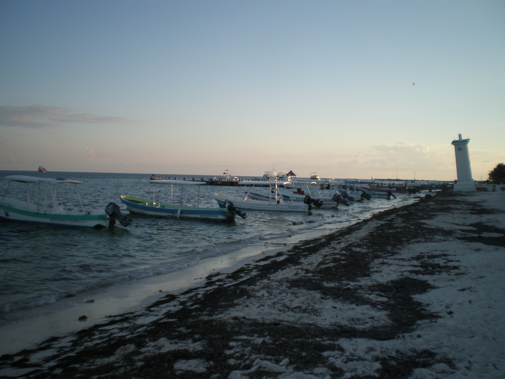 Boats on the Puerto Morelos beach
